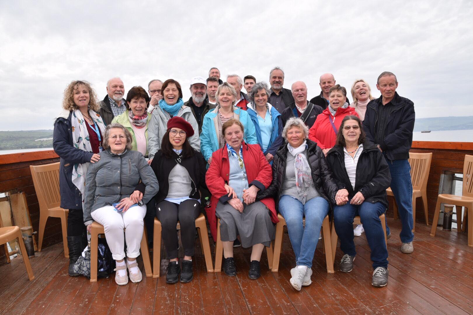 Gruppe auf dem See Genesareth