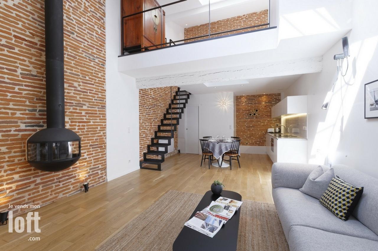 A VENDRE Loft Duplex T2 avec balcon terrasse TOULOUSE Carmes Dalbade