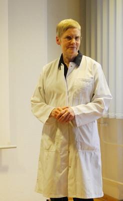 Frau Dr. Schneider