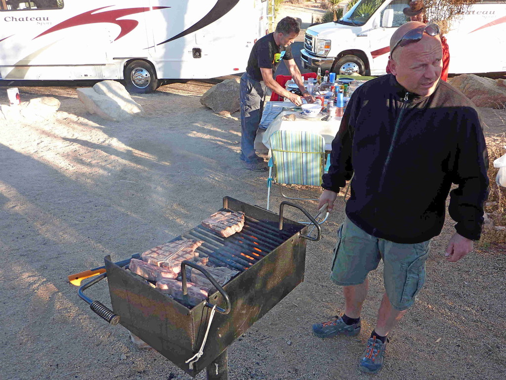 Joshua Tree Nationalpark - Campground Jumbo Rock mit Grillmeister Frank