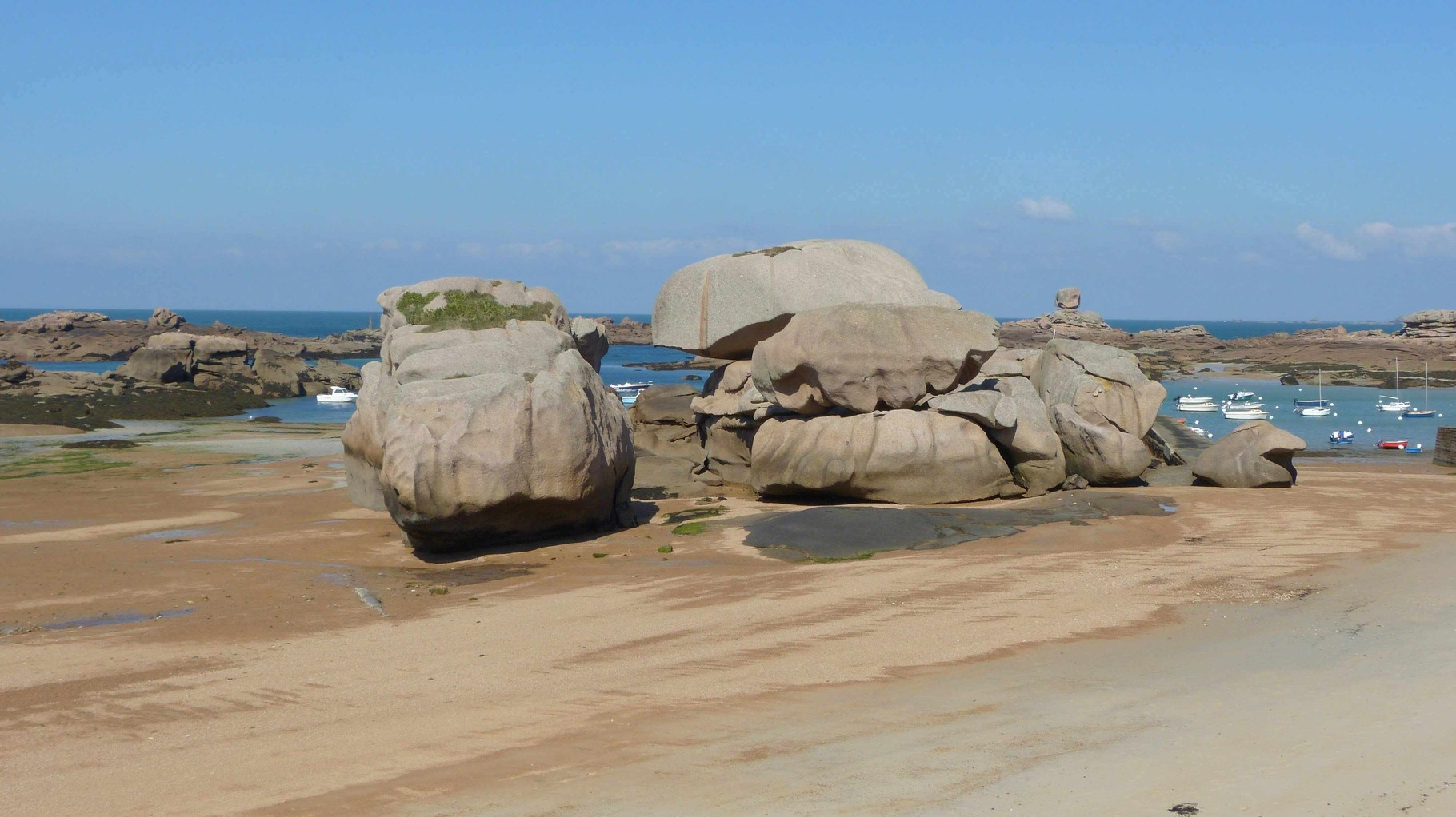 Bretagne - Plage du Coz Pors - Rosa Granitküste