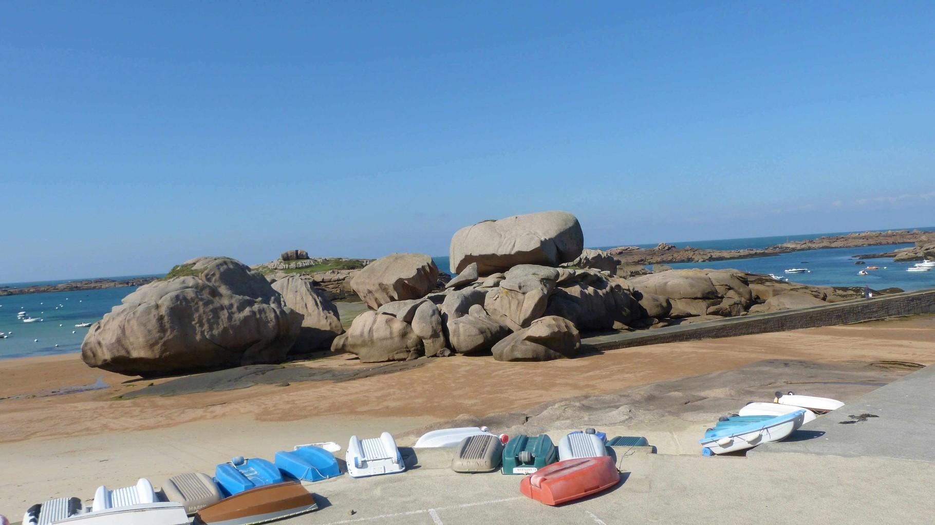 Bretagne - Tregastel, Plage du Coz Pors - Rosa Granitküste