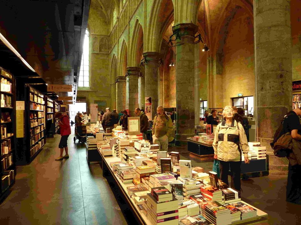 6.Tag - Maastrich NL - Buchhandlung Selexyz Dominincan