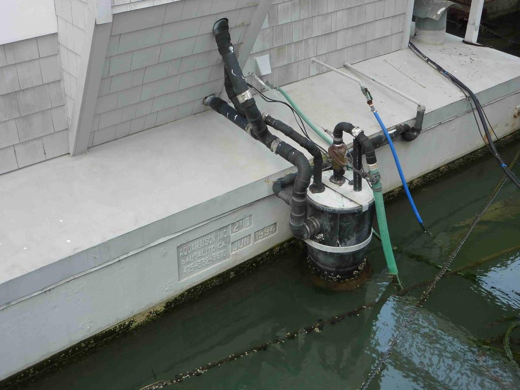 San Francisco - Hausboote in Sausalito (Wasser- u. Abwassersystem)