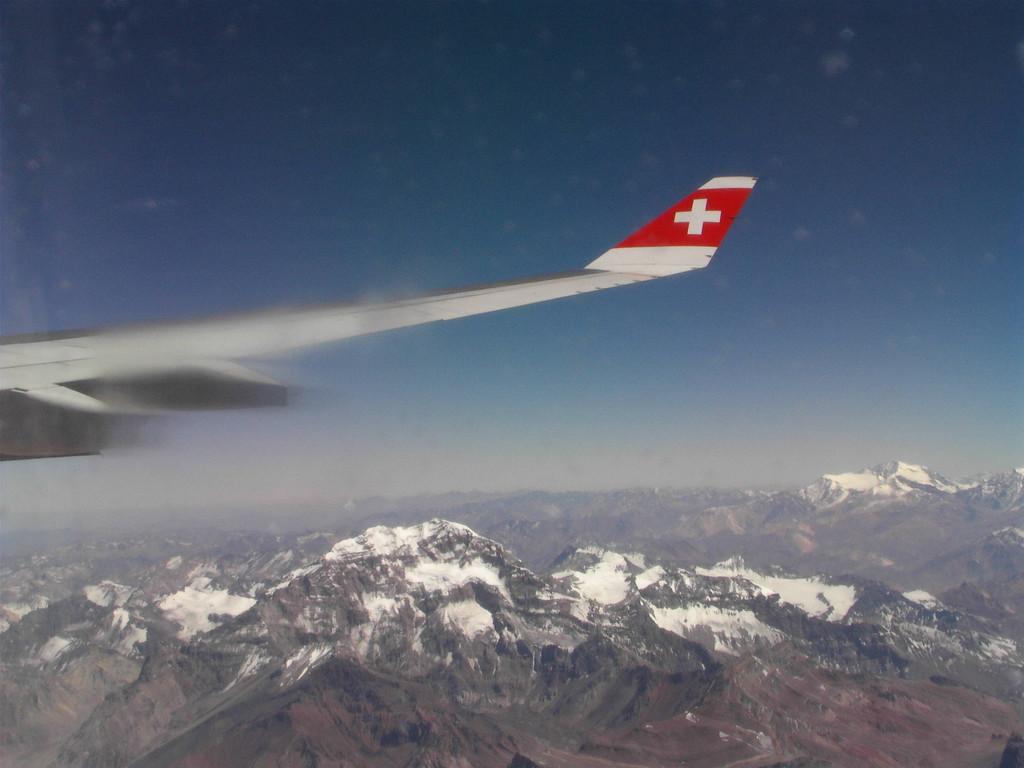 Kurz vor der Landung in Santiogo - der höchste Berg Amerikas, der Acangagura, im Hintergrund rechts