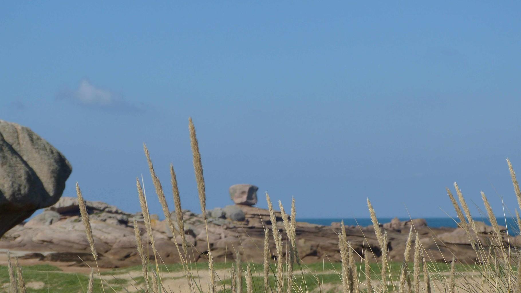 Bretagne -Tregastel, Plage du Coz Pors - Rosa Granitküste