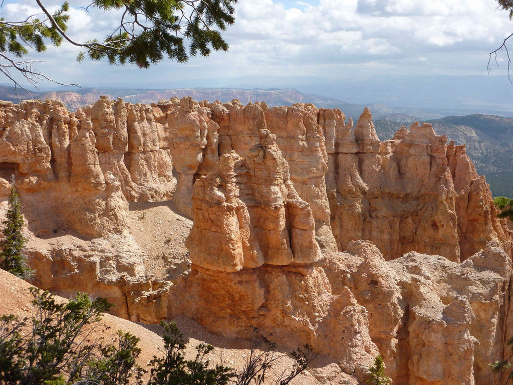Auf Tour am Bryce Canyon bei 3 Grad Plus + leichter Schneefall - Black Birch Canyon