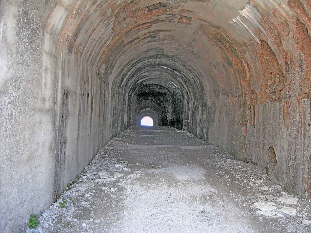 Tunnel am Passo di Tremalzo