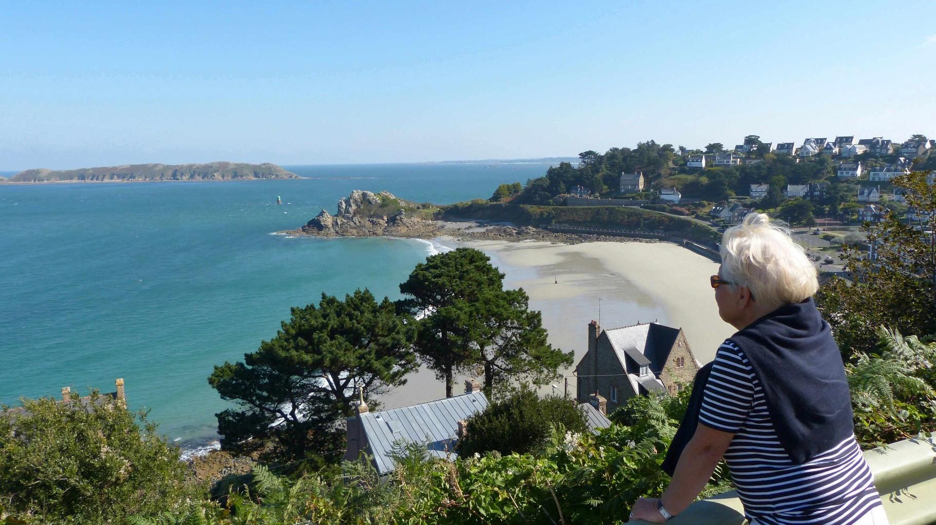 Bretagne - Bucht von Perros Guirec -Rosa Granitküste