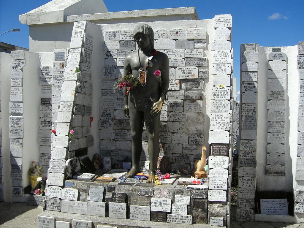Stop in Punte Arenas - Denkmal für den letzten Indianer