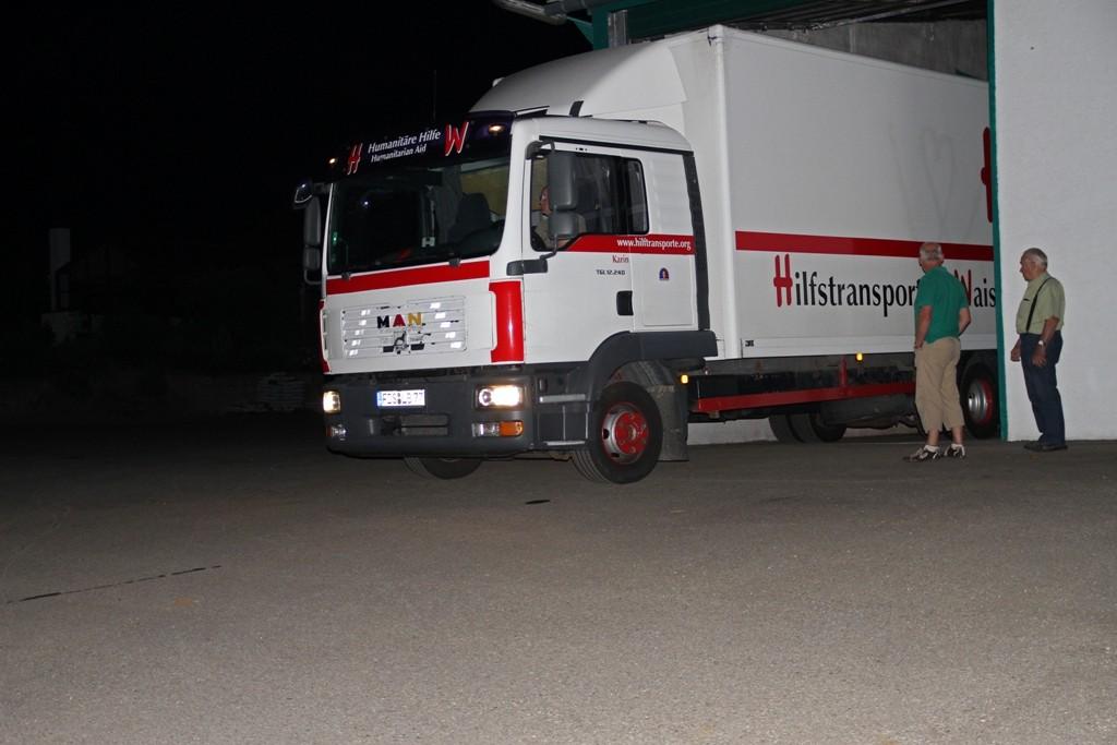 06.07.2015 Start des Konvois - 2 Trucks und 2 Sprinter mit 27 Tonnen Hilfsgüte
