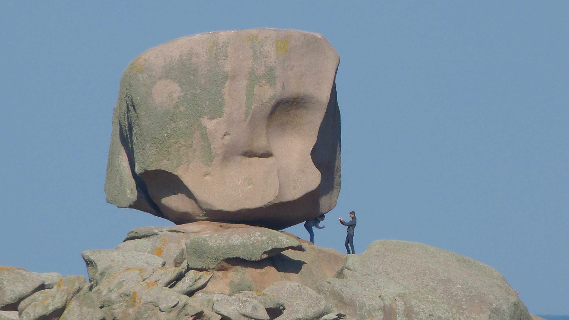 Bretagne - Tregastel. Plage du Coz Pors - Rosa Granitküste