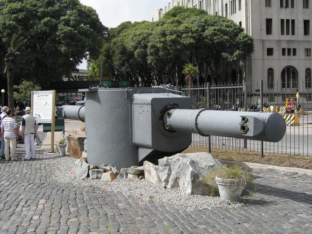 Stop Montevideo/Uruguay - Navigationsgerät der Graf Spee