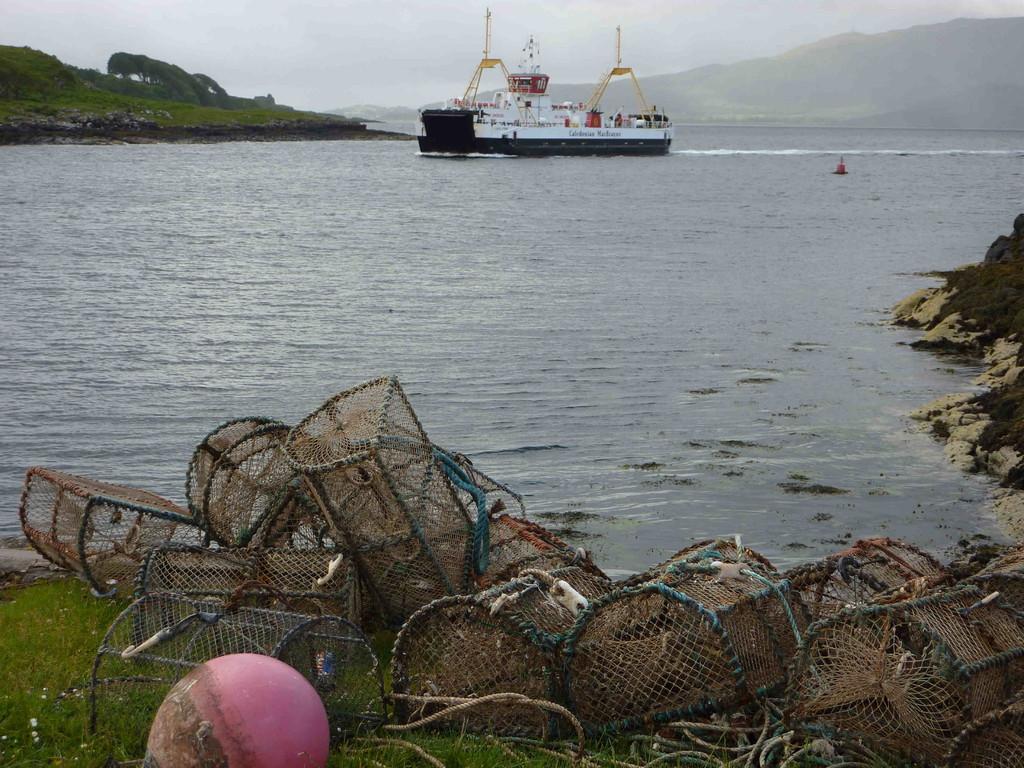 Lochaline -Warten auf die Fähre zu Isle of Mull