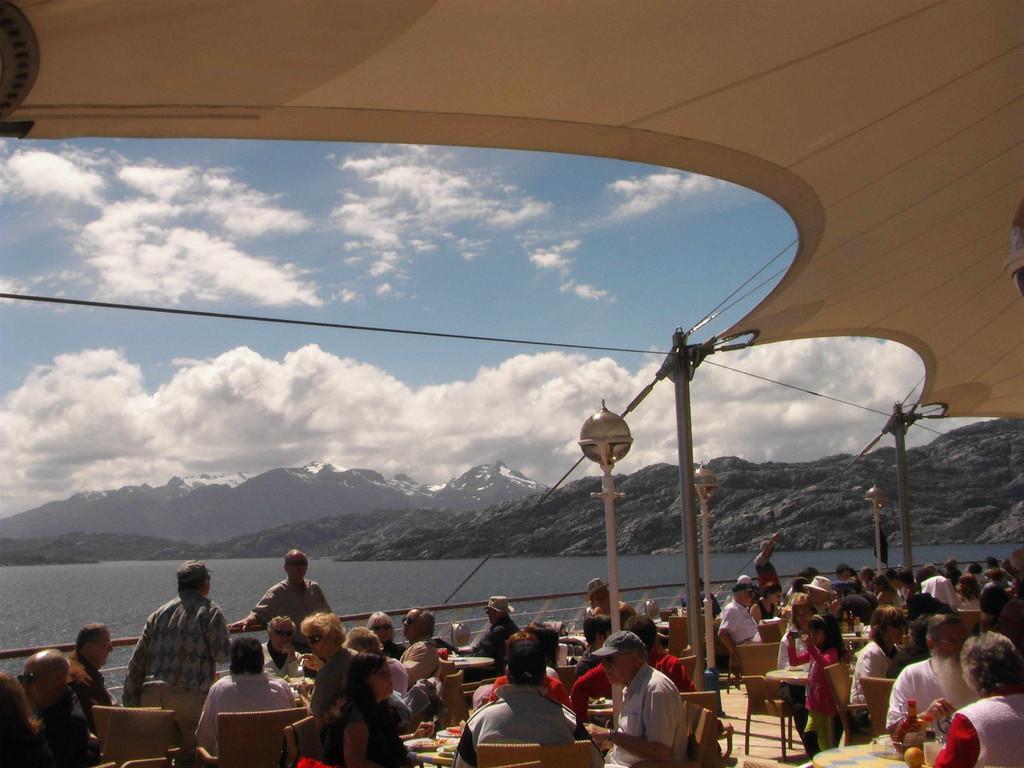 Fahrt durch die Kanäle u.Fjorde Patagoniens u. der Magellanstraße nach Punta Arenas