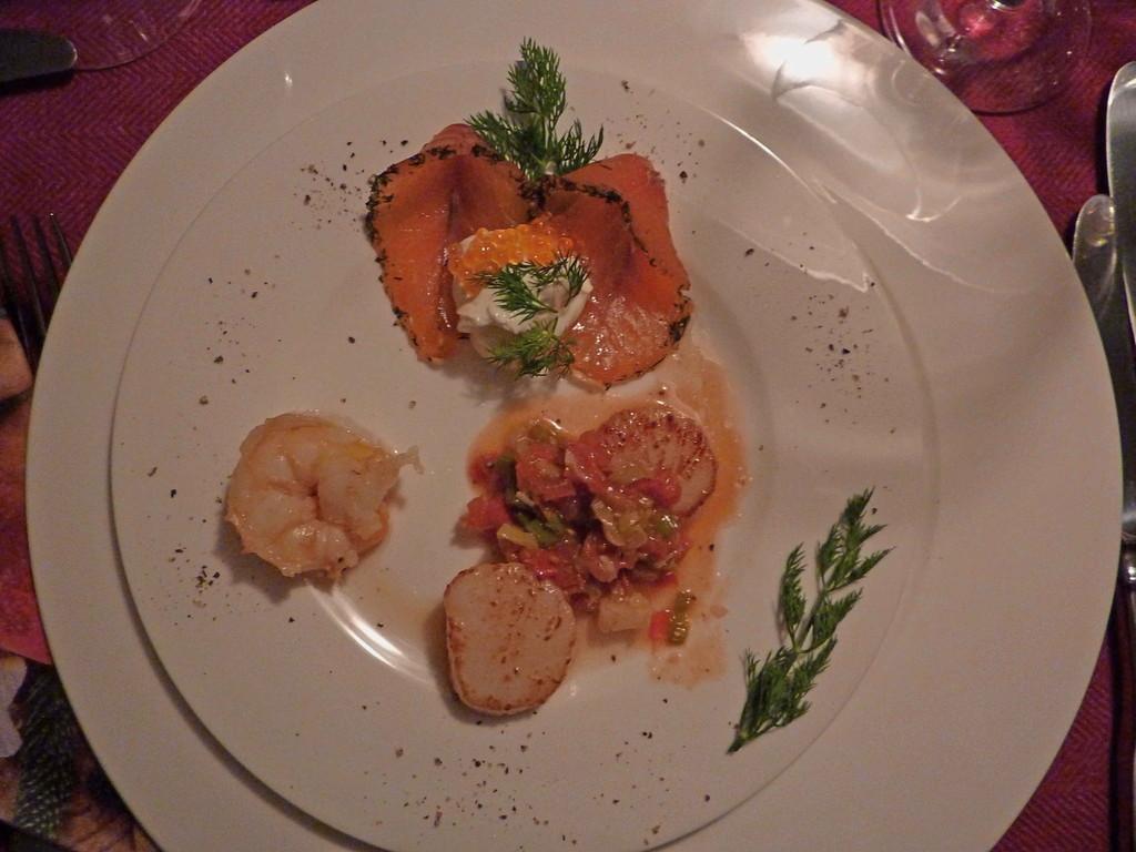 Vorspeise - Graved Lachs, Jacobsmuscheln mit Lauchgemüse, Scampi