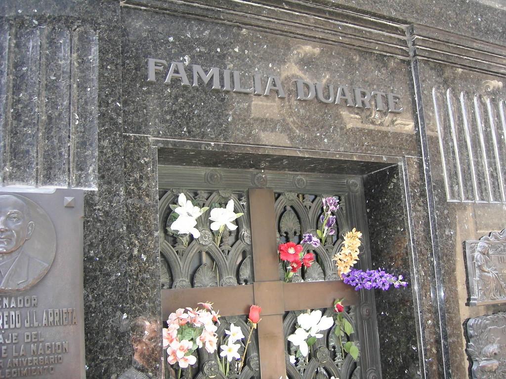 Buenos Aires - Friedhof - Grab d. Familie Duarte