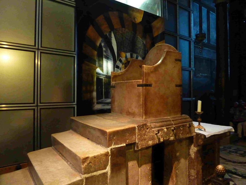2.Tag - Aachen - im Dom (Krönungssessel)
