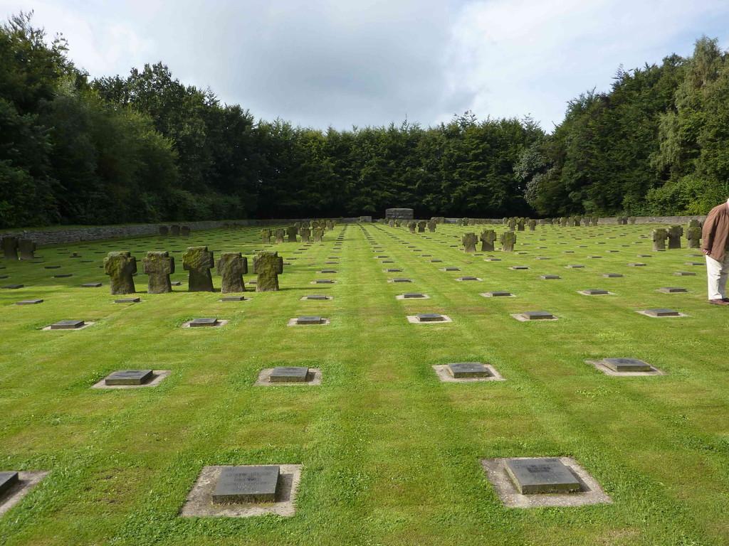 4. Tag - Soldatenfriedhof Vossenag