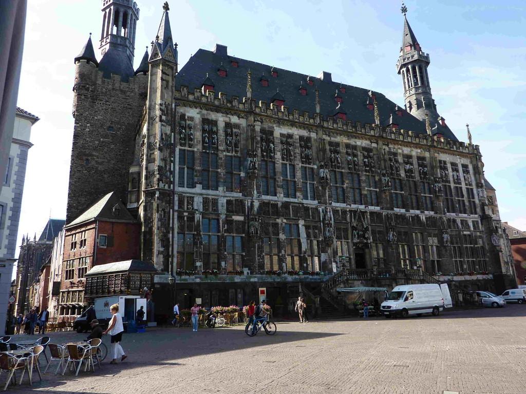 2.Tag - Aachen - Rathaus