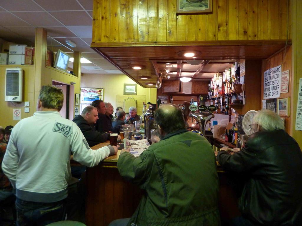 Kneipe in Iverness - das Bier war nach den Fish & Ships nötig