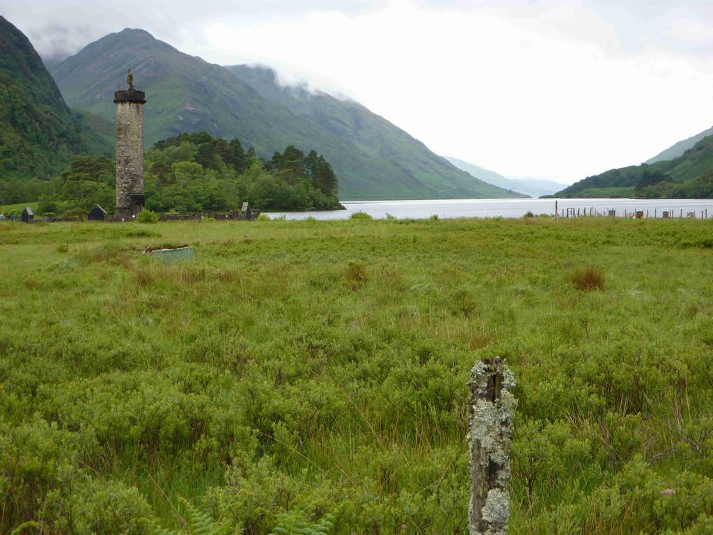 Auf der Fahrt zum Fährhafen Maillag - Glenfinnan / Highlanders Monument