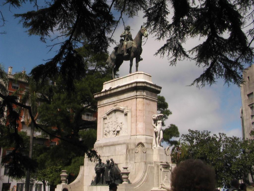 Stop Montevideo/Uruguay - Plaza Zabala