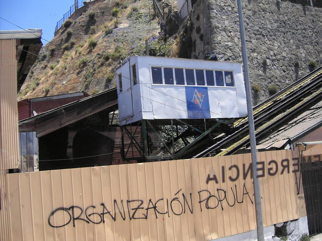 Valparaiso - Schrägaufzug zur Personenbeförderung