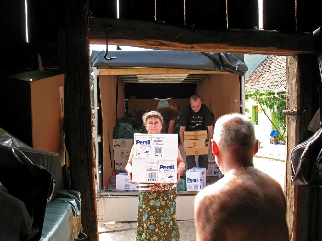 08.07.2015 Entladung der Hilfsgüter in Vupar