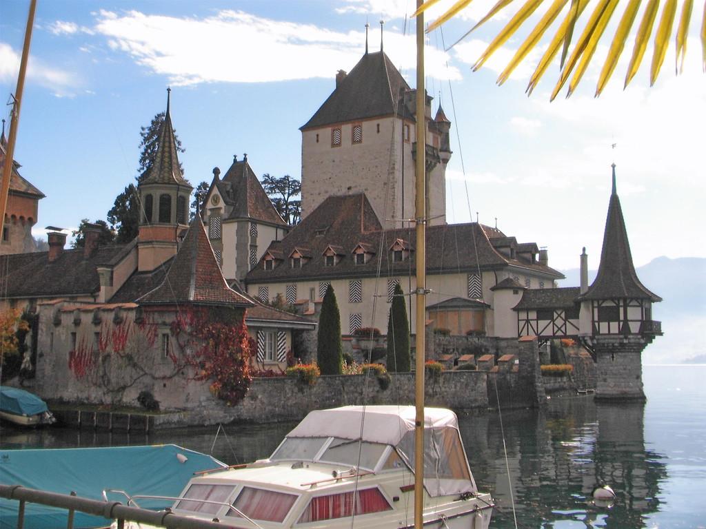 Schloß Oberhofen am Thuner See