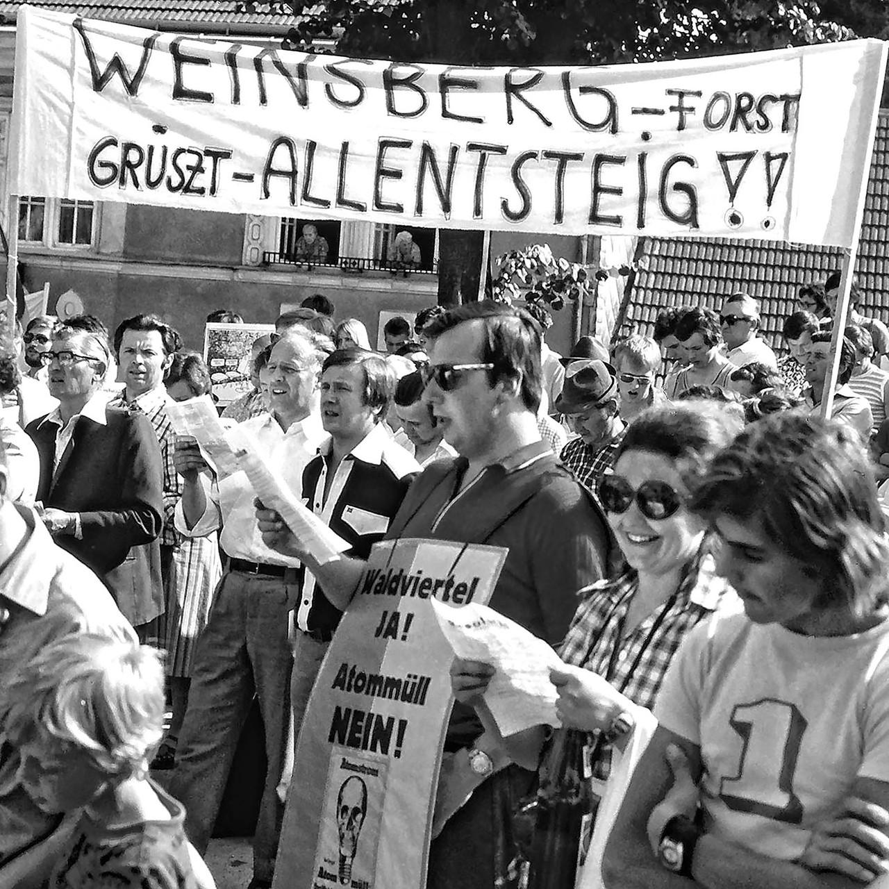 Demonstration gegen das geplante Atomkraftwerk Zwentendorf (in Allentsteig/NÖ), Auftragsarbeit der Anti-Atom-Bewegung