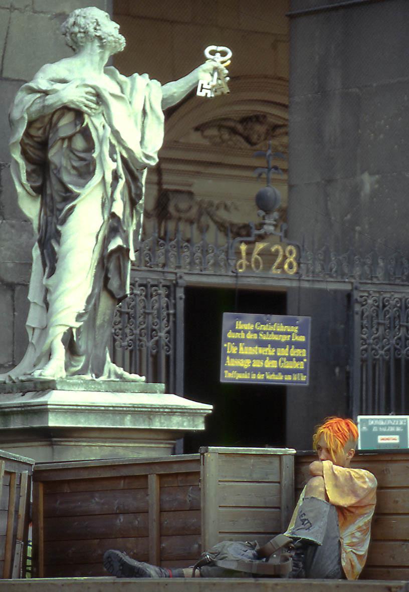 Jung und Alt, Salzburg Domplatz, 1993