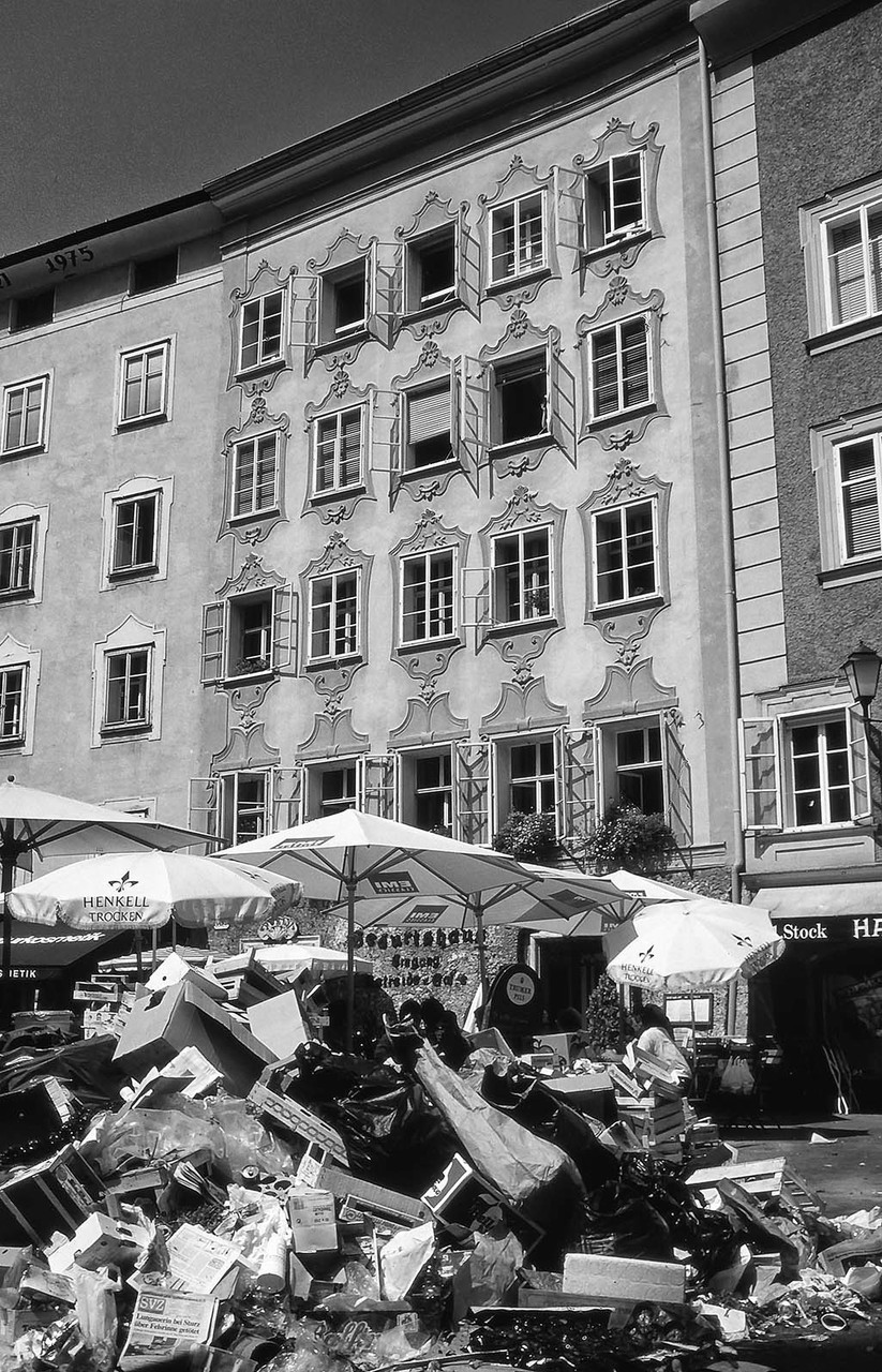 Blick aufs Mozarthaus nach Marktende, Salzburg, 1994