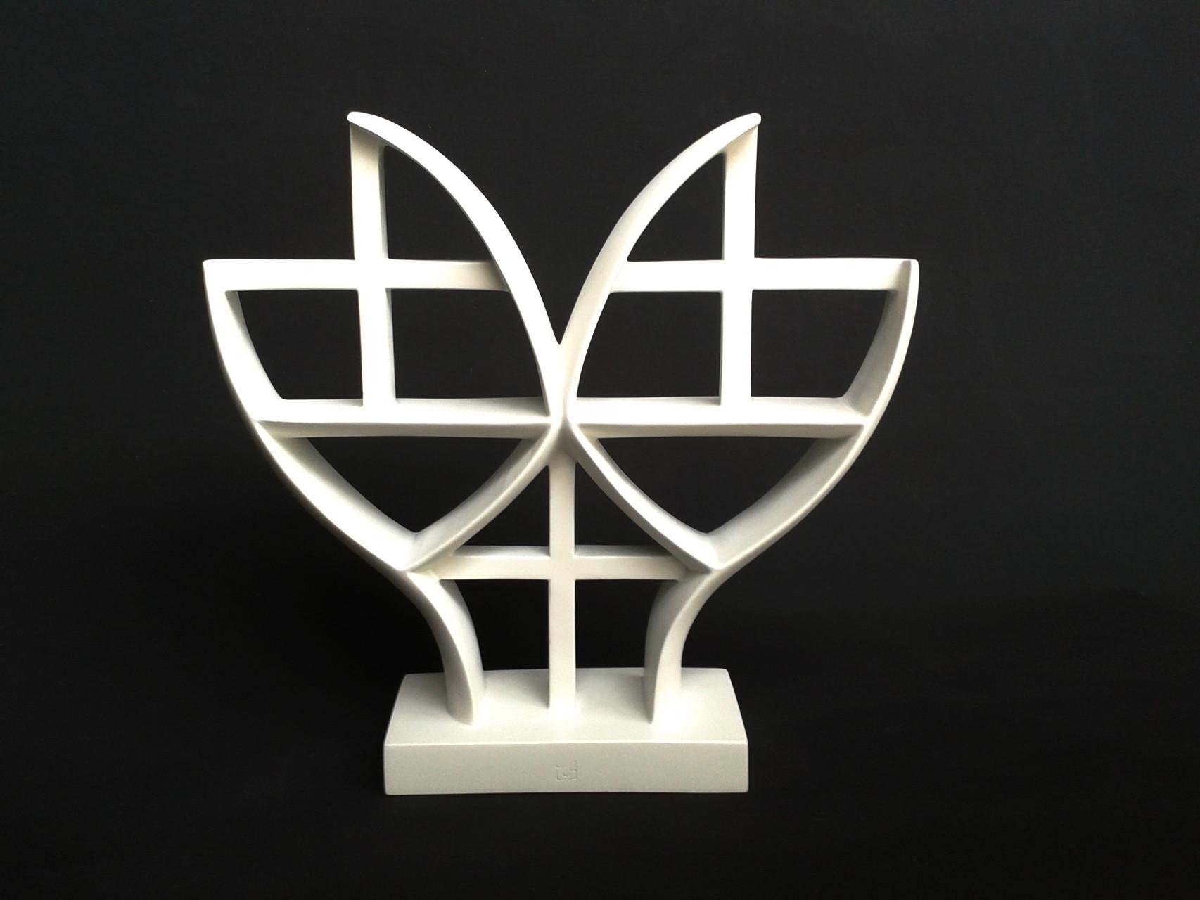 A+G 2. 2012. 37 X 35 X 9 cm. Aluminio - Pintura electrostática