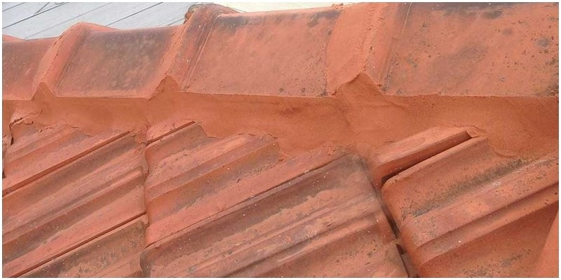Rebedding and pointing ridge capping