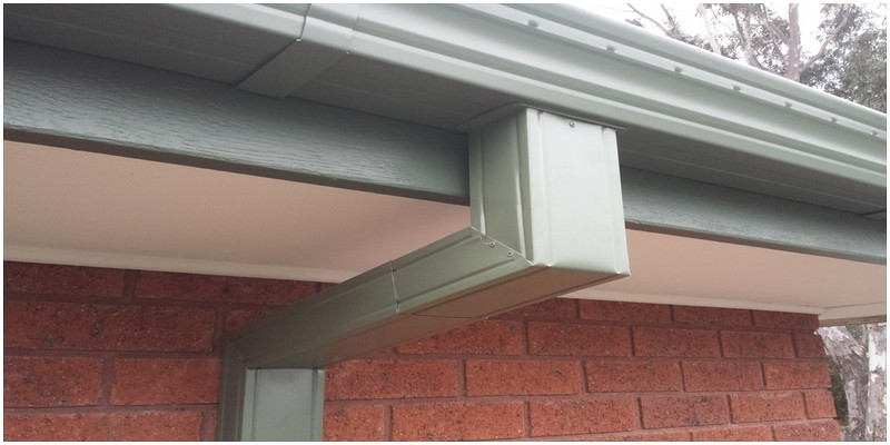 Mini-Line gutter and downpipe COLORBOND® Pale Eucalypt®