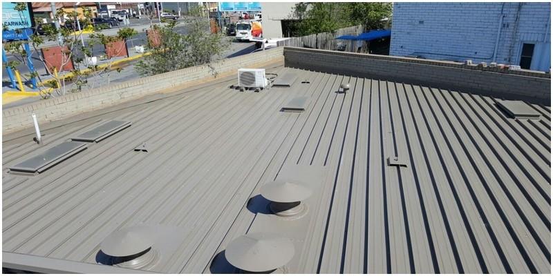 Painting flat roof DULUX® Jasper®
