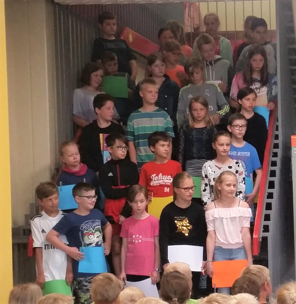"""Unsere Klasse 4 sagt: """" Tschüss!"""""""