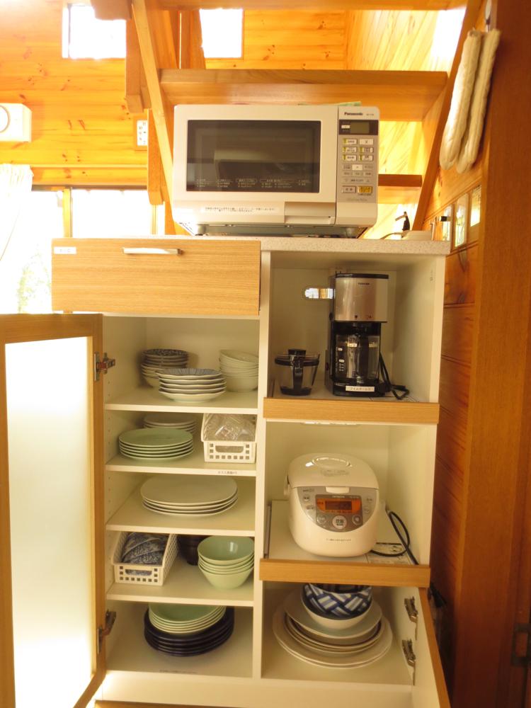 電子レンジ.コーヒーメーカー.急須.炊飯器食器類