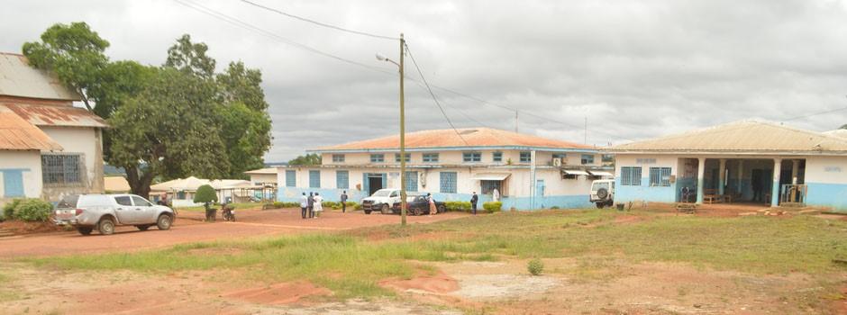 Akonolinga. Hopital de District