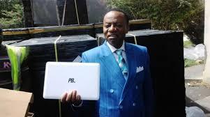 Le ministre de l'Enseignement supérieur, Jacques Fame Ndongo, présente le PB Hev