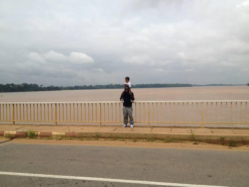 Ebebda. Le pont de l'Enfance sur la Sanaga
