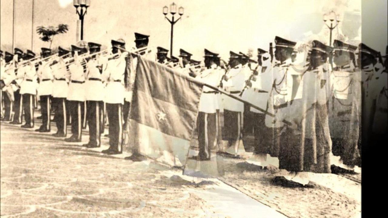 La Garde républicaine, restée fidèle à Ahidjo a perpétré le coup d'état