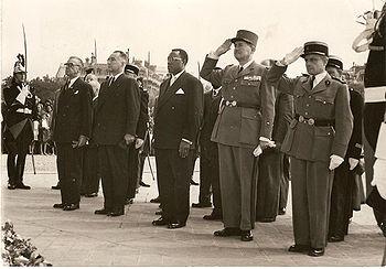 André Marie Mbida, alors Premier ministre, en visite officielle en France