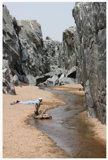 Les gorges de Kola en saison sèche