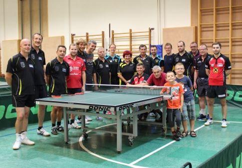 Am Samstag, 15. Juli fährt eine Sierndorf-Delegation zum Freundschaftsspiel gegen die SPG Waldhausen/Dimbach nach Oberösterreich. Nachdem wir 2017 erstmals gegen unsere neuen Freunde in Sierndorf gespielt haben, freuen wir uns schon auf das Rückspiel!