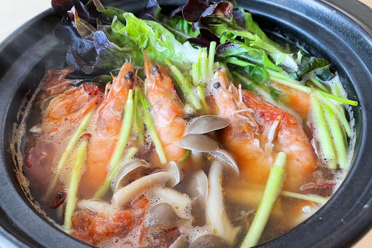 海老とレタスのトマト鍋