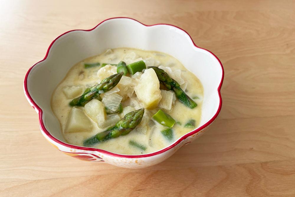 アスパラガスとじゃがいものスープ