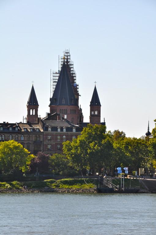 Blick von Kastel auf Dom zu Mainz (c) Dombauverein Mainz
