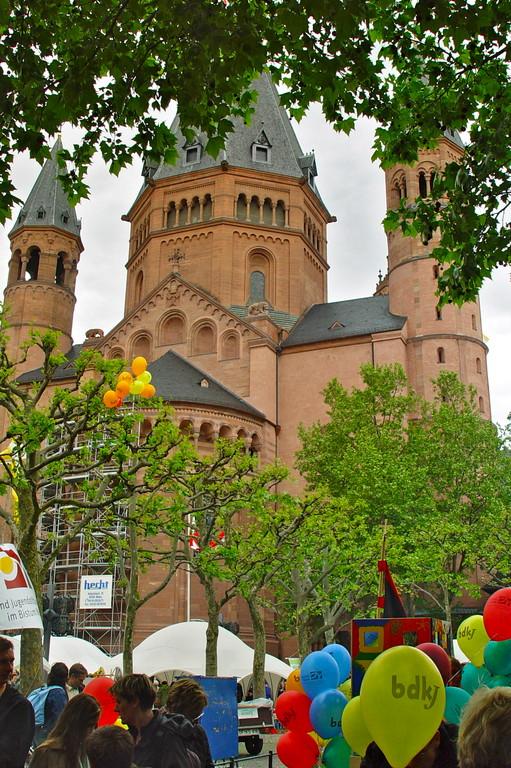 im Schatten des Dom (c) Bistum Mainz